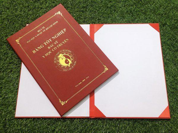 Bìa bằng tốt nghiệp trường đại học Y Học cố truyền