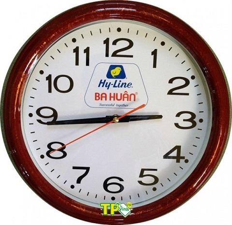 in logo lên đồng hồ treo tường ba luân