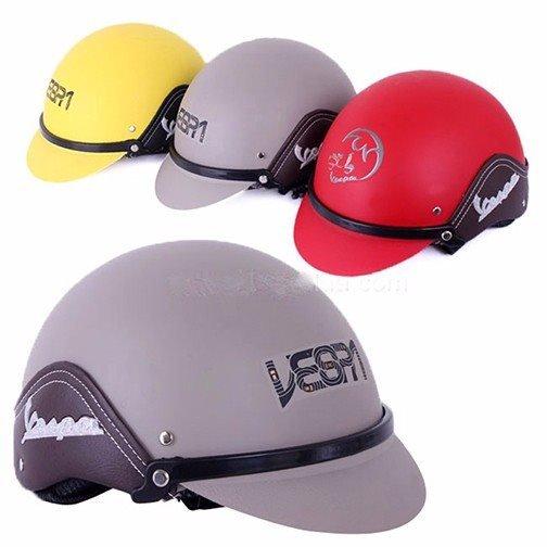 in logo lên mũ bao hiểm Vespa