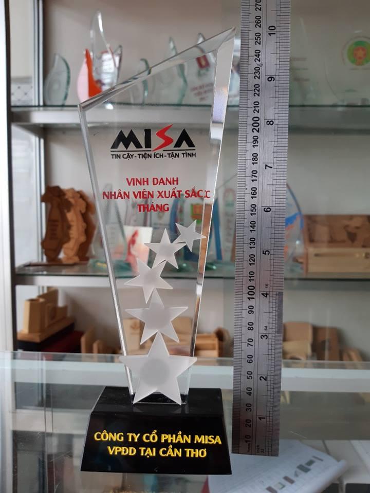 In kỷ niệm chương Mica bằng công nghệ in uv