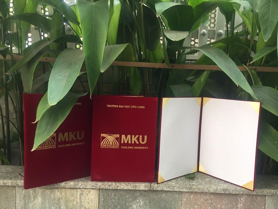 Bìa kẹp bằng tốt nghiệp MKU 2