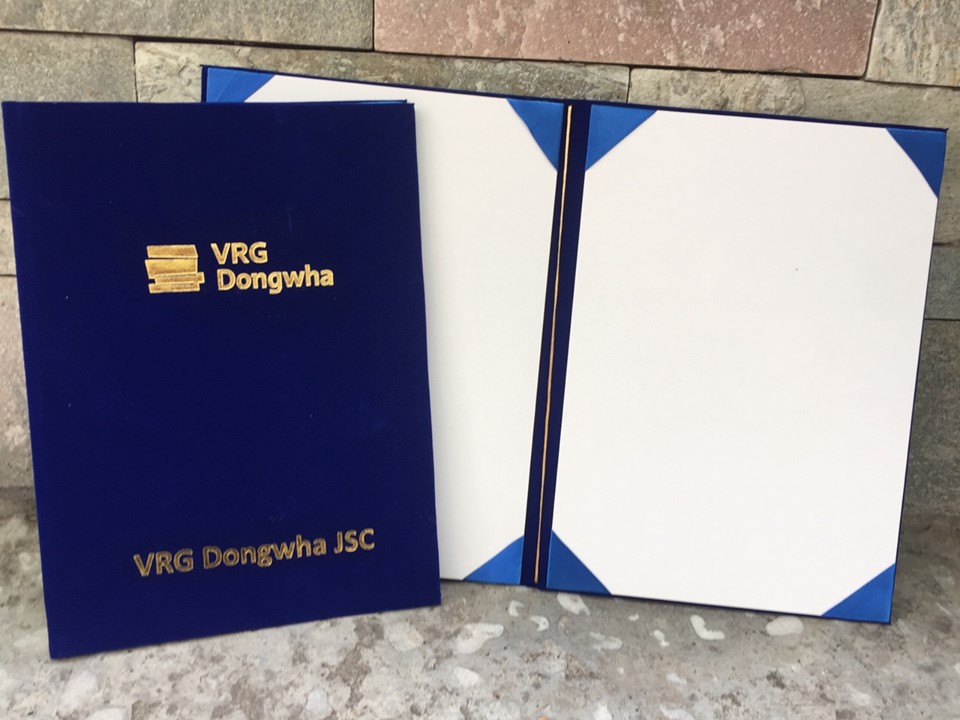 Bìa kẹp bằng tốt nghiệp VNG