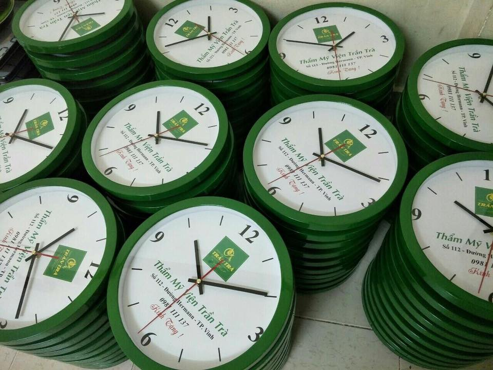 mẫu in logo lên đồng hồ làm quà tặng
