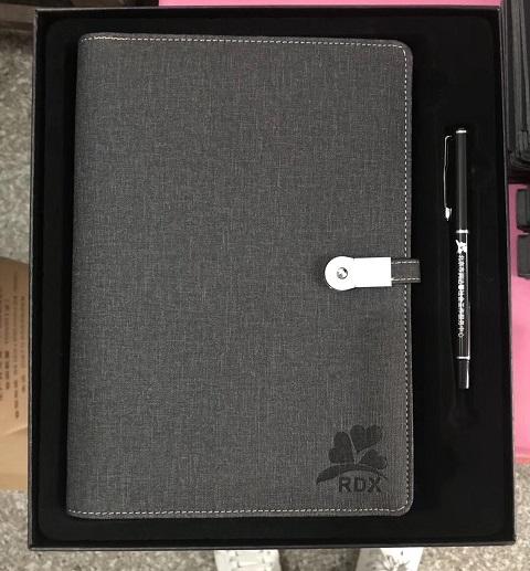Bộ sổ tay quà tặng và bút in logo kèm hộp đựng