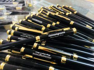 Bút kim loại cao cấp 5