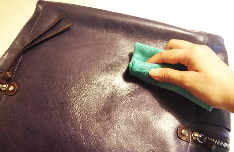 Cách tẩy vết dầu mỡ trên đồ da đơn giản nhất