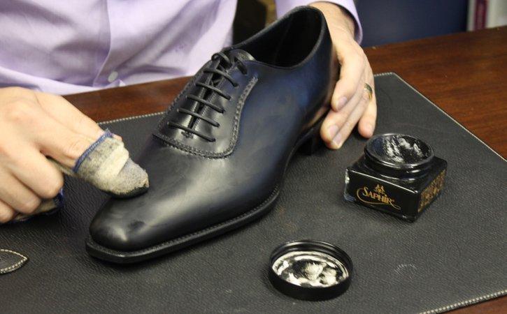 Xi đánh giày làm mềm đồ da thật