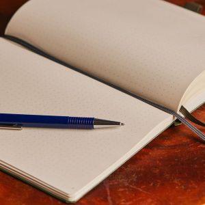 Ghi chép cẩn thận là 1 trong những ý tưởng viết nhật ký tốt nhất
