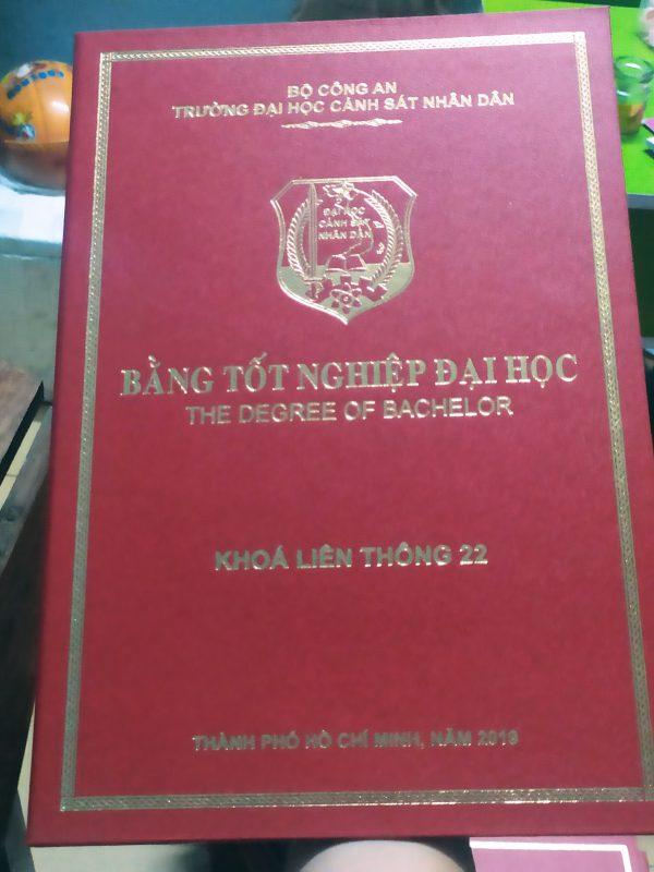 Bìa chứng nhận đựng bằng tốt nghiệp CN08